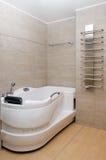 Moderner Innenraum des Badezimmers Lizenzfreie Stockbilder