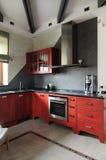 Moderner Innenraum. Küche Stockfotografie