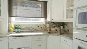 Moderner Kücheinnenraum stock footage