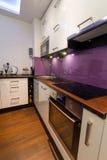 Moderner Kücheinnenraum Stockbild