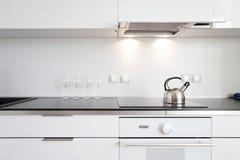 Moderner Kücheninnenraum Stockbilder