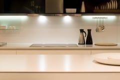 Moderner Küchezählwerk Stockbilder