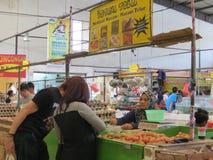 Moderner Lebensmittelgeschäftmarkt in Serpong Stockfotos