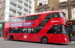 Moderner London-Bus Lizenzfreies Stockfoto