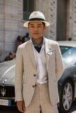 Moderner Mann Milan Men-` s an der Mode-Woche Stockfotos