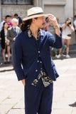 Moderner Mann Milan Men-` s an der Mode-Woche Lizenzfreies Stockfoto
