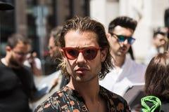 Moderner Mann Milan Men-` s an der Mode-Woche Stockfotografie