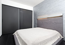 Moderner Minimalismusart-Schlafzimmerinnenraum Lizenzfreies Stockbild