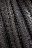 Moderner Mountainbikereifen Element des Fahrrades Große Auswahl von Reifen Lizenzfreies Stockbild