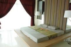 Moderner Schlafzimmerinnenraum Stockfotos