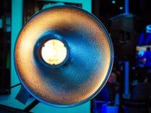 Moderner starker photographischer Blitz für Studiolicht Stockbild