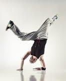 Moderner Tanz des jungen Mannes Stockfotografie