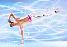 Moderner Tanz des jungen Mannes lizenzfreie stockfotos
