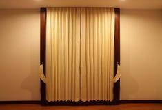 Moderner Vorhang im Hotel Lizenzfreies Stockfoto