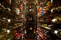 Moderner Weinkeller Lizenzfreies Stockbild