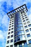 Moderner Wolkenkratzer Lizenzfreie Stockfotos