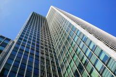 Moderner Wolkenkratzer Stockfotos