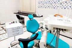 Moderner zahnmedizinischer Büroinnenraum stockfoto