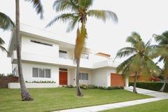 Modernes abstraktes Haus Lizenzfreie Stockfotos