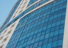 Modernes Appartement-Hochhaus Stockfotografie