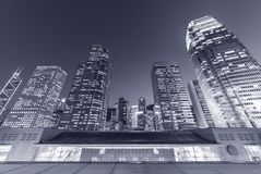 Modernes Bürogebäude und Skyline von Hong Kong City Stockfoto