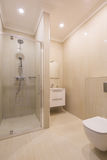 Modernes Badekurortbadezimmer Lizenzfreies Stockfoto