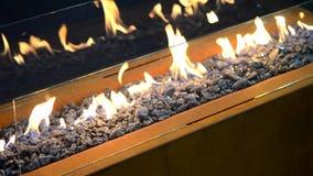 Modernes Bio-fireplot auf Äthanolgasnahaufnahme stock footage
