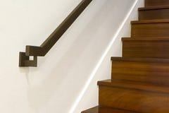 Modernes Design des Handlaufs und des Treppenhauses Lizenzfreie Stockfotografie