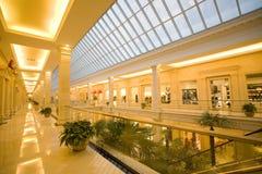 Modernes Einkaufszentrum stockfoto
