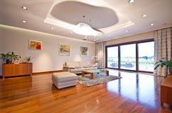 Modernes elegantes Wohnzimmer lizenzfreie stockfotografie