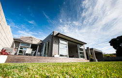 Modernes Entwerfer-Haus stockfotos