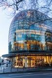 Modernes Gebäude des flüchtigen Blicks und des Clockenburg in Köln Lizenzfreie Stockfotos