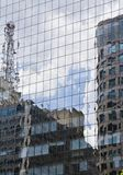 Modernes Gebäude mit Glasfassade Lizenzfreies Stockbild