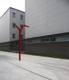 Modernes Gebäude- und Straßenlaterne Stockfotografie