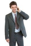 Modernes Geschäftsmannsprechen zellular stockbild