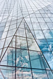 Modernes Glasgebäude im Auszug Stockfotografie