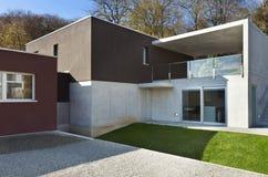 Modernes Haus, im Freien lizenzfreie stockfotografie
