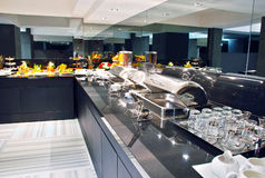 Modernes Hotelbuffet lizenzfreie stockfotografie