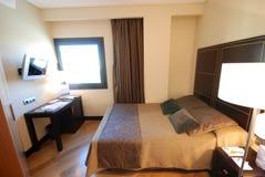 Modernes Hotelzimmer lizenzfreie stockfotografie