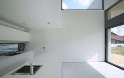 Modernes Innenhaus stockbilder