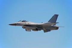 Modernes jetfighter F-16 Lizenzfreie Stockbilder
