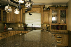 Modernes Kücheleben stockfotografie