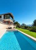 Modernes Landhaus Stockbild