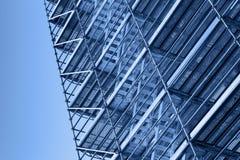 Modernes Metallbaugerüst, getontes Foto Lizenzfreie Stockfotografie