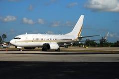 Modernes Passagierflugzeug Stockfotos