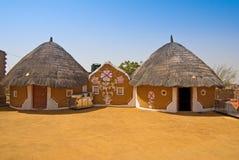 Modernes privates Dorf in Indien Stockfotos