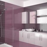 Modernes purpurrotes Badezimmer mit weißen Möbeln Lizenzfreie Stockfotografie