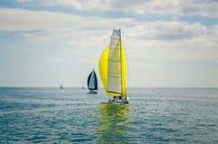 Modernes Segelboot stockfotografie