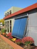 Modernes Solarhaus Lizenzfreie Stockfotos