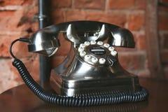 Modernes Telefon in der Retro- Art Lizenzfreie Stockfotografie